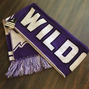 Wild cats scarf